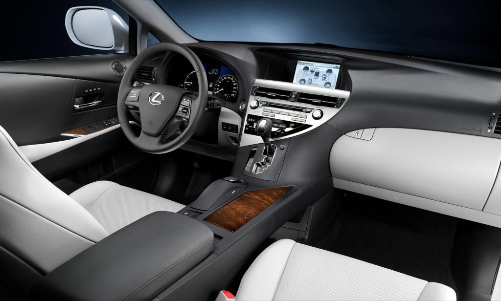 Lexus Debuts New Head-Up Display - autoevolution