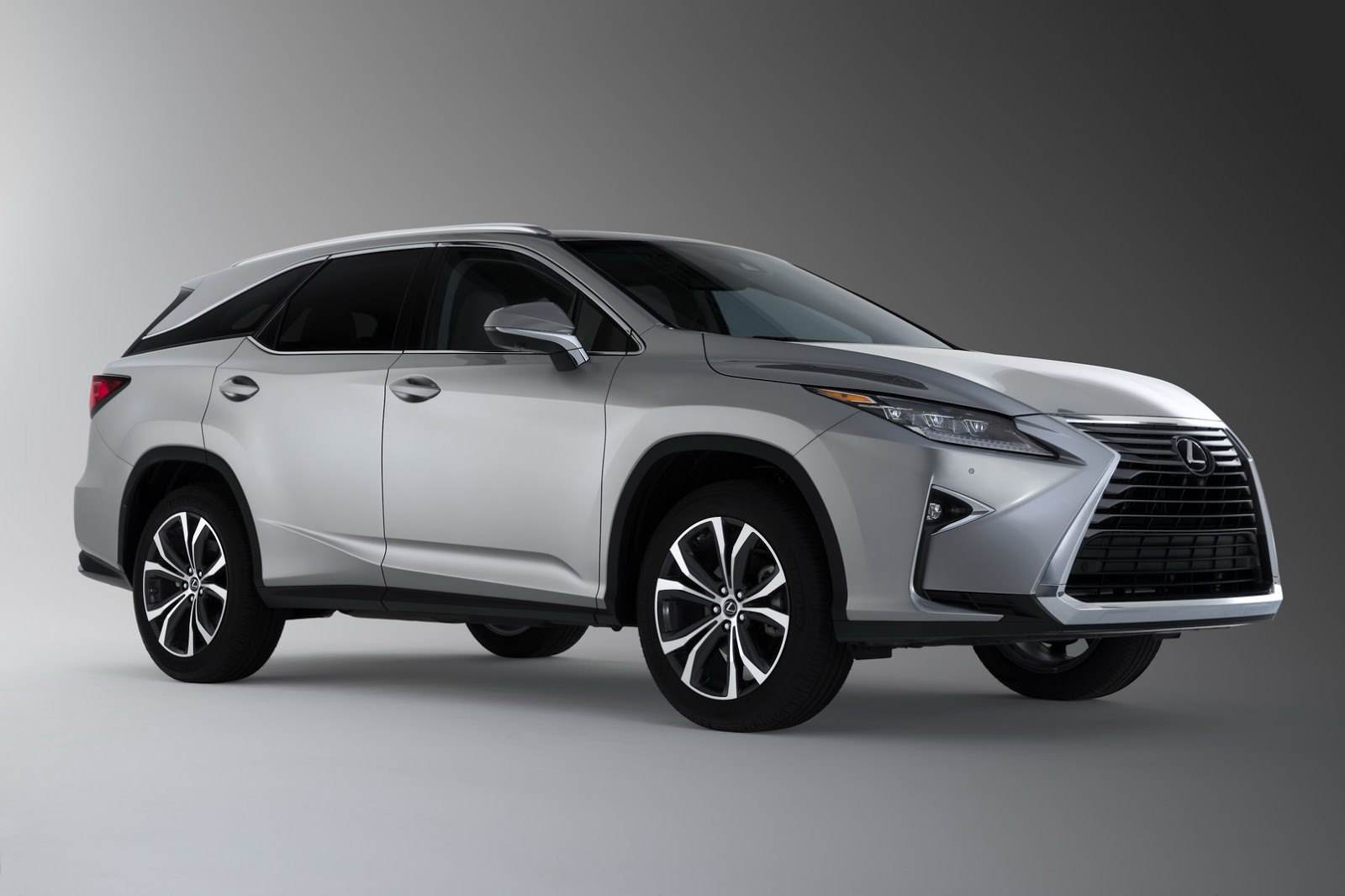 lexus drops price of rx 450h at the expense of standard. Black Bedroom Furniture Sets. Home Design Ideas