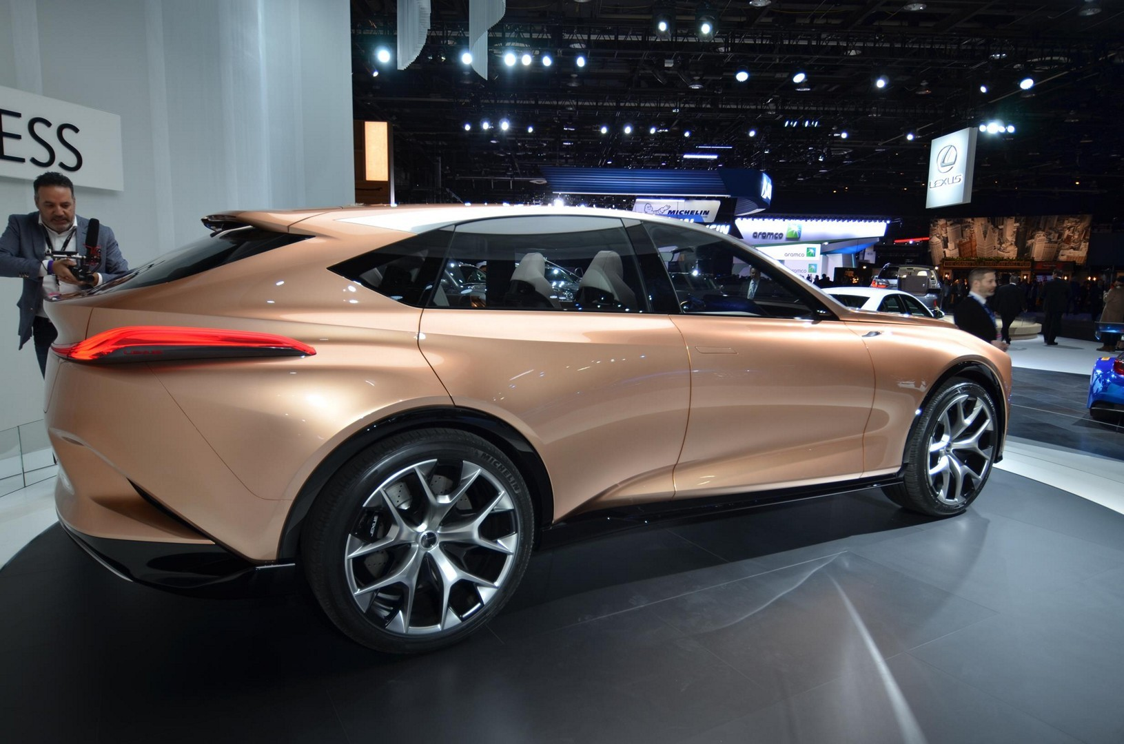 Lexus LF-1 Is a Long-Nosed Flagship SUV Concept in Detroit ...