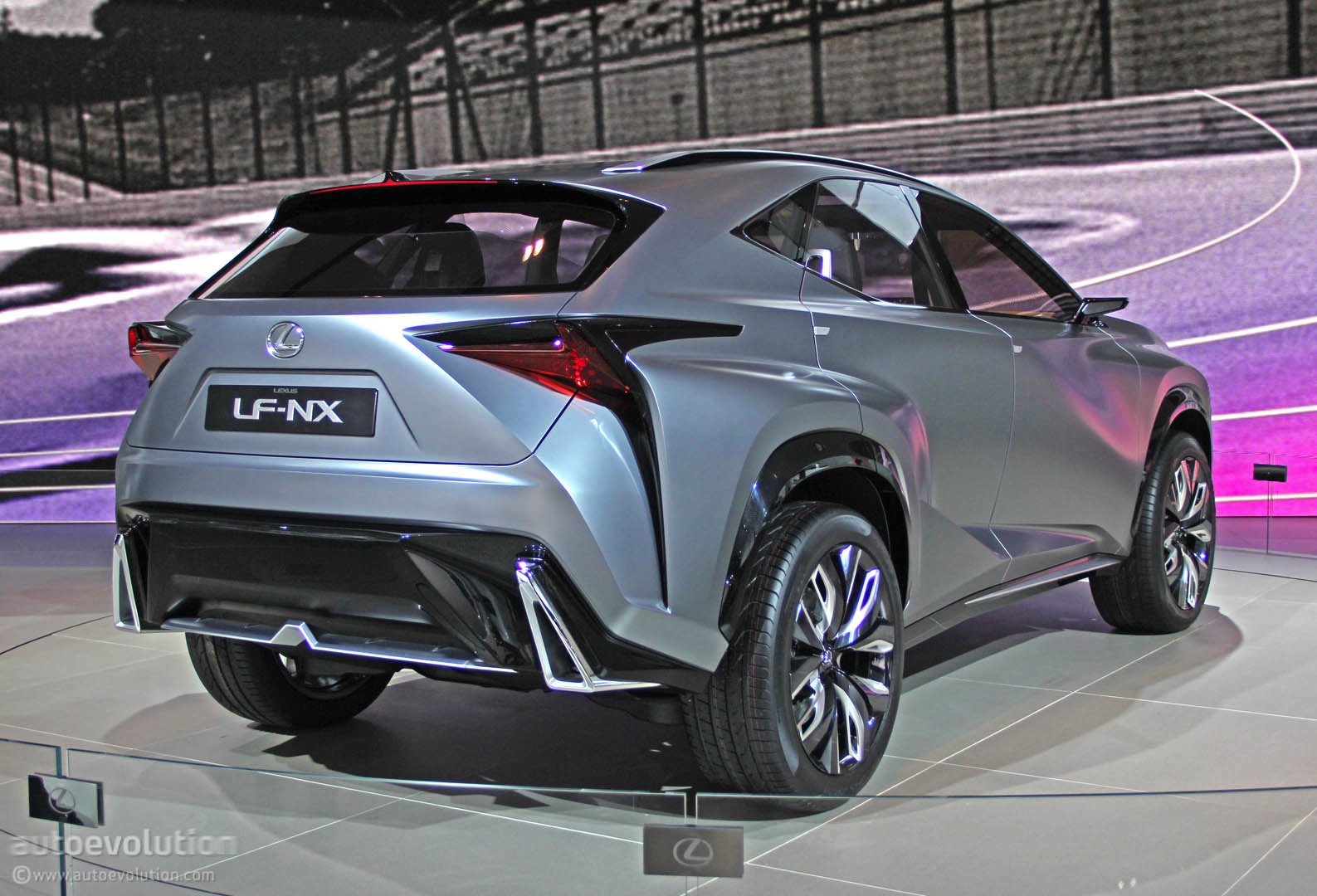 Upcoming Car Shows >> Lexus LF-NX Turbo Concept Lands in Detroit [Live Photos] - autoevolution