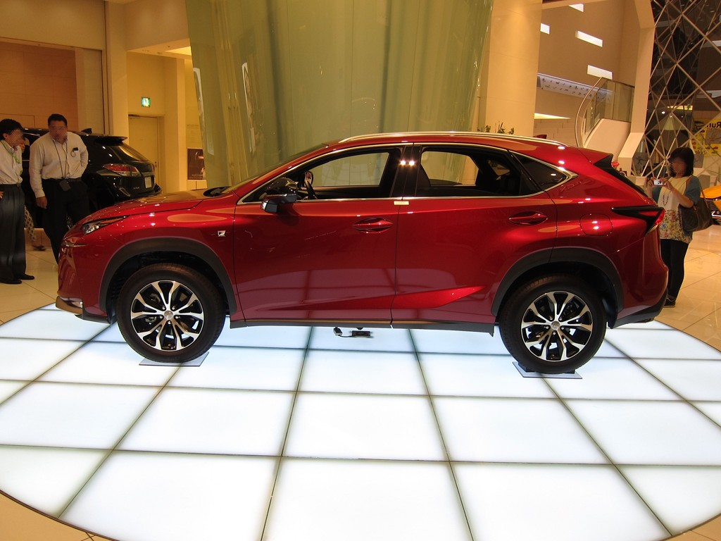 Lexus Nx 200t Shows Up In New Matador Red Mica Autoevolution