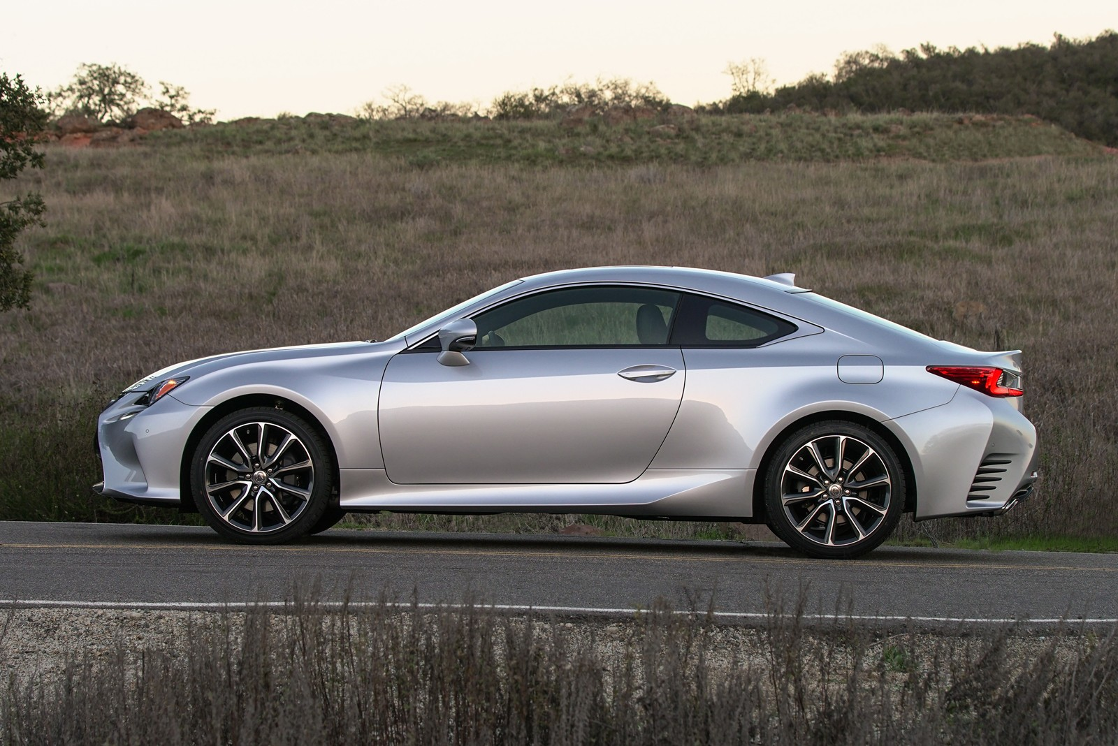 Lexus Rc 350 2018 >> Lexus RC Revised For MY 2018, RC 300 Available With Two Engine Choices - autoevolution