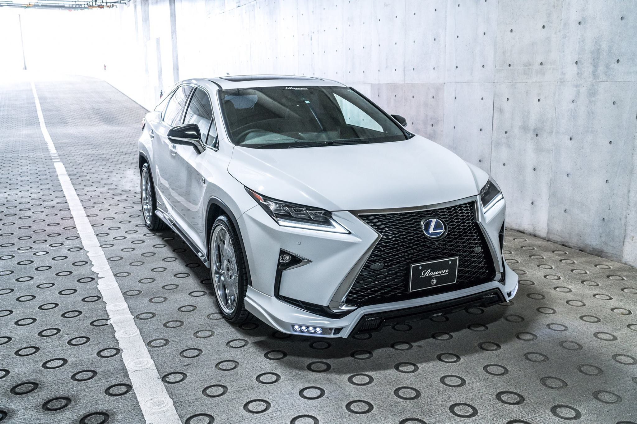 2017 Lexus Rx 450h >> Lexus RX F-Sport With Rowen Body Kit Has Quad Exhaust - autoevolution