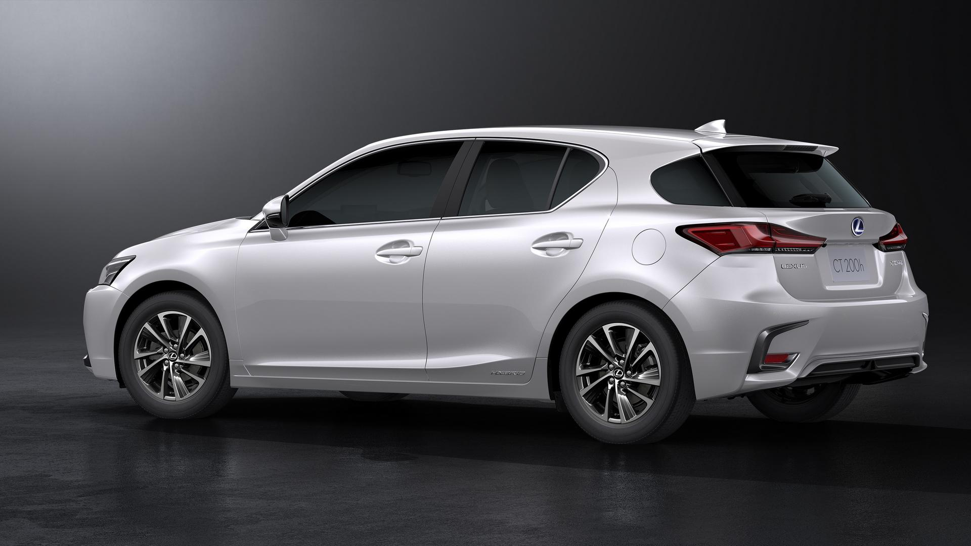 lexus updates ct 200h one last time autoevolution