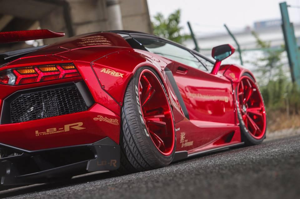 Liberty Walk Lamborghini Aventador Roadster Features Red