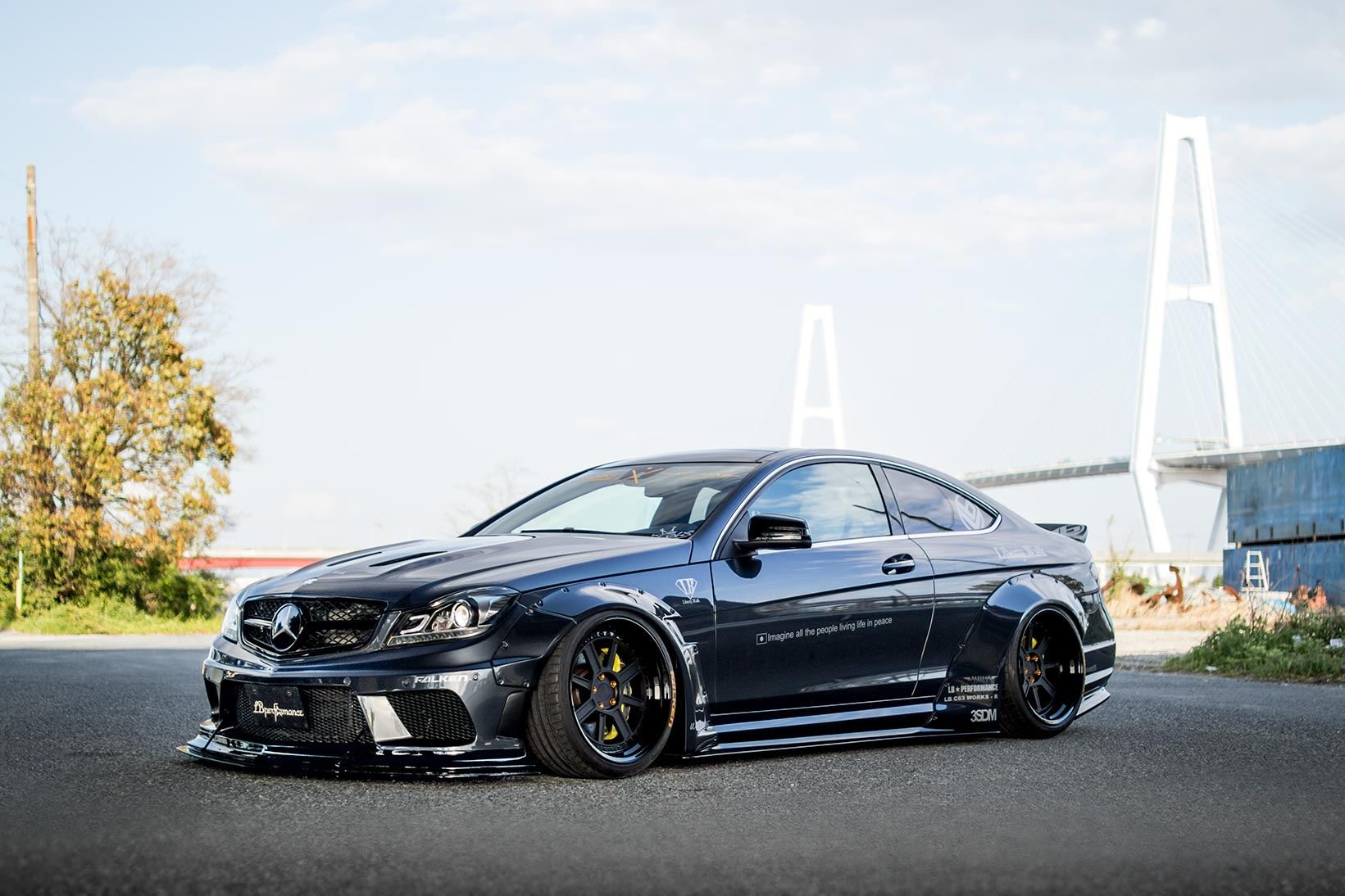 liberty walk mercedes benz c63 amg coupe is the angry. Black Bedroom Furniture Sets. Home Design Ideas