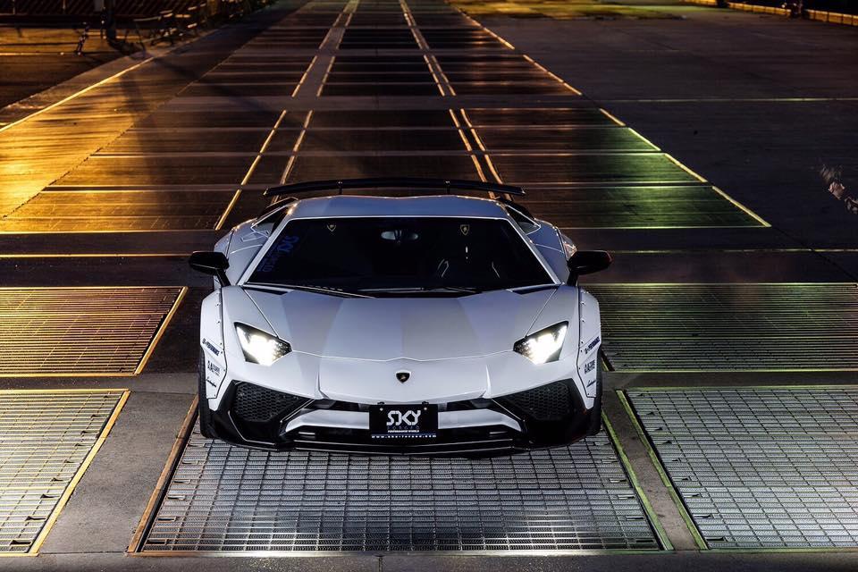 Liberty Walk Widebody Lamborghini Aventador Sv Is Insane On Another