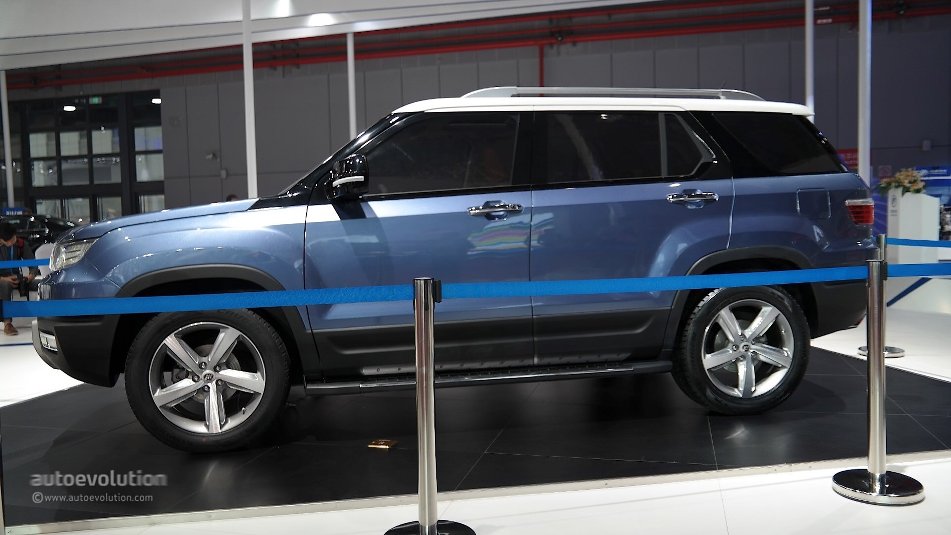 New Lexus Suv >> Lifan X70 SUV Concept Takes a Bow at Auto Shanghai 2015 - autoevolution