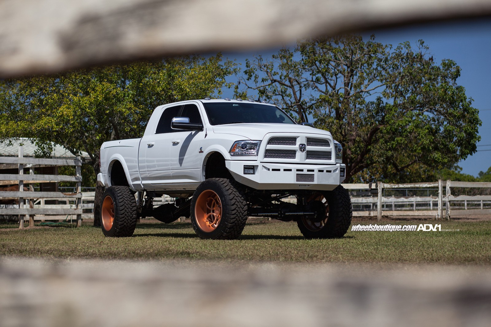Old Dodge Ram >> Lifted Ram 2500 On Rose Gold Wheels Meets a Horse - autoevolution