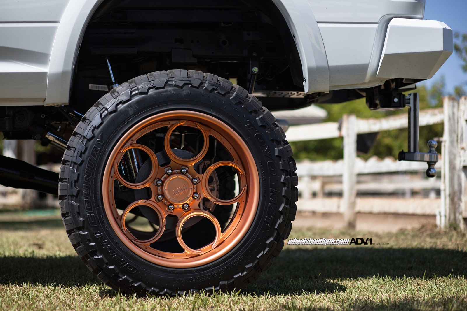 Chevy Lifted Trucks >> Lifted Ram 2500 On Rose Gold Wheels Meets a Horse ...