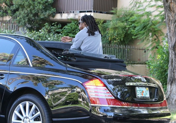 Lil Wayne Rides In Style In The Back Seat Of His Maybach