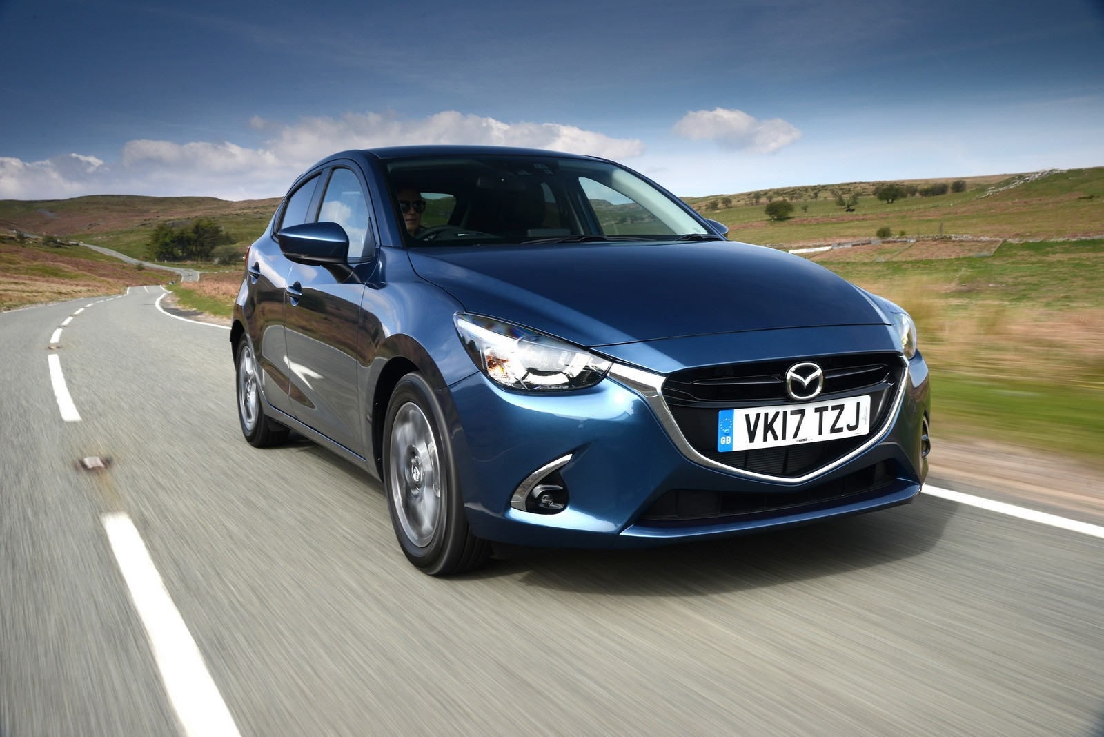 limited edition mazda2 model joins updated lineup in the uk autoevolution. Black Bedroom Furniture Sets. Home Design Ideas