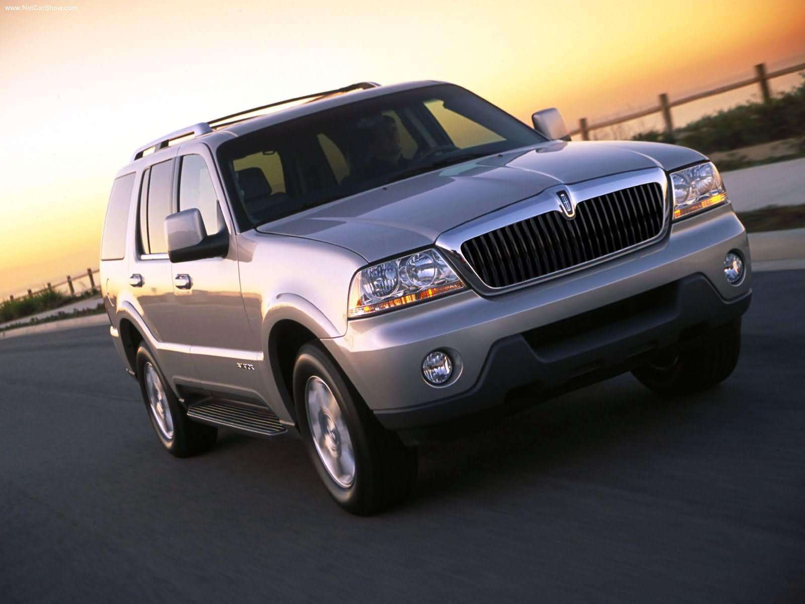 lincoln aviator trademark hints at a posher 2016 ford. Black Bedroom Furniture Sets. Home Design Ideas