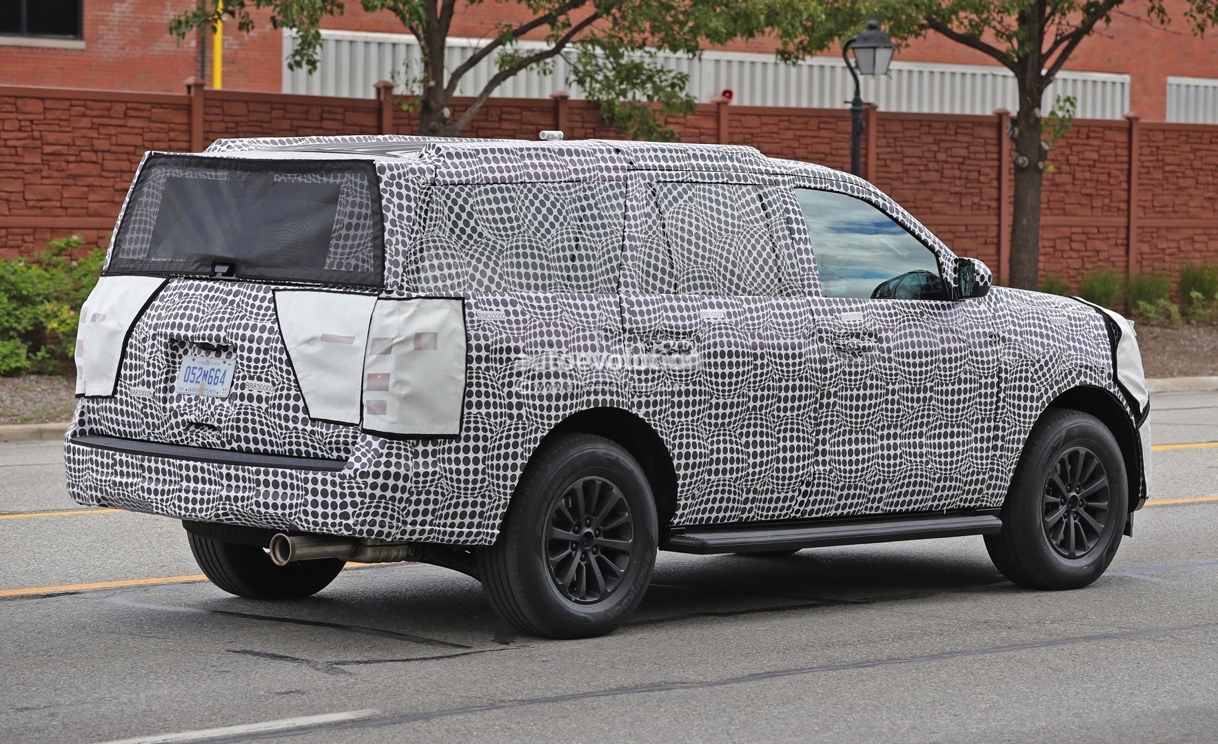 2018 lincoln navigator spied. plain spied 2018 ford expedition on lincoln navigator spied