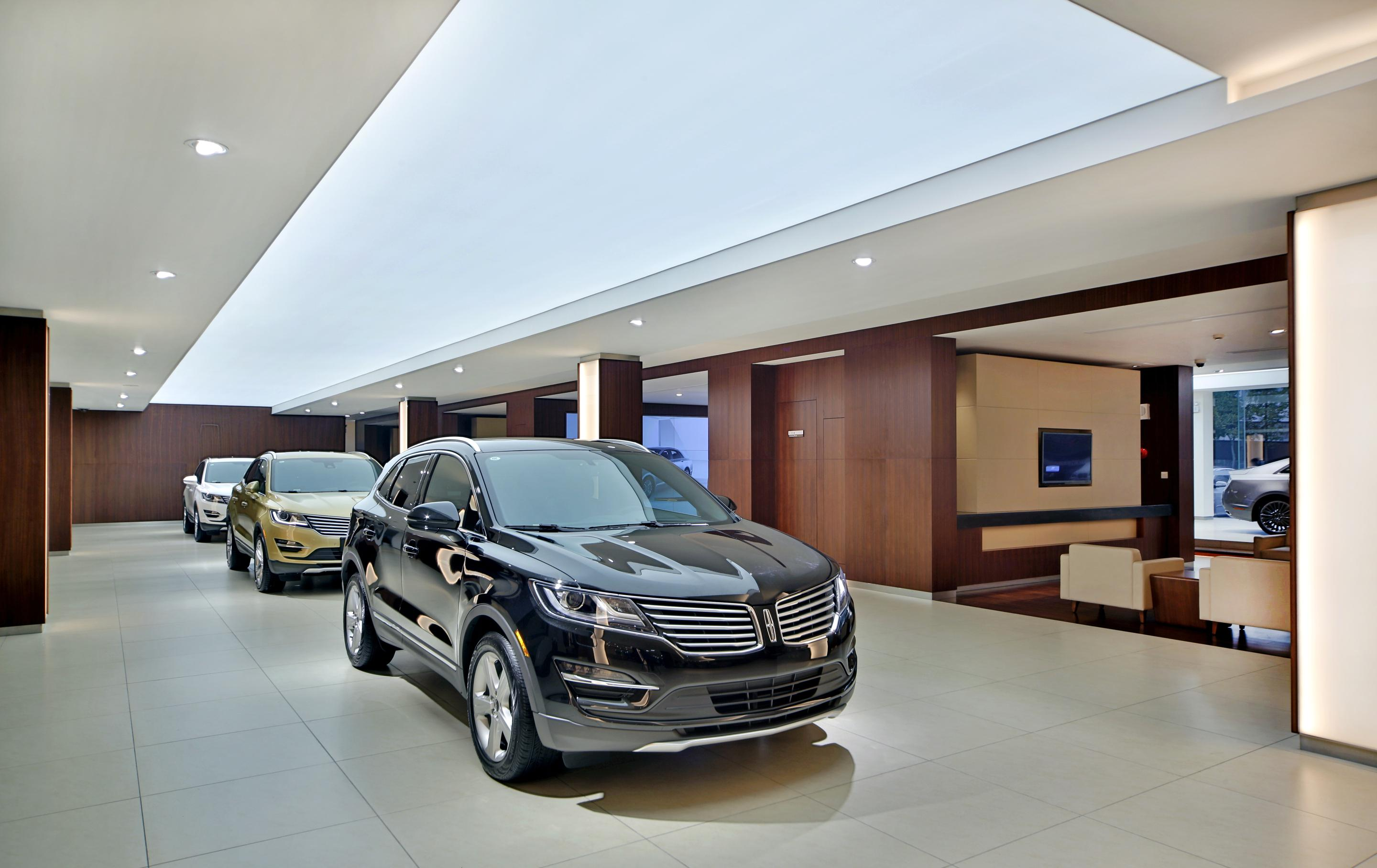 Lincoln Opens First Dealers In China Full Size Sedan Announced