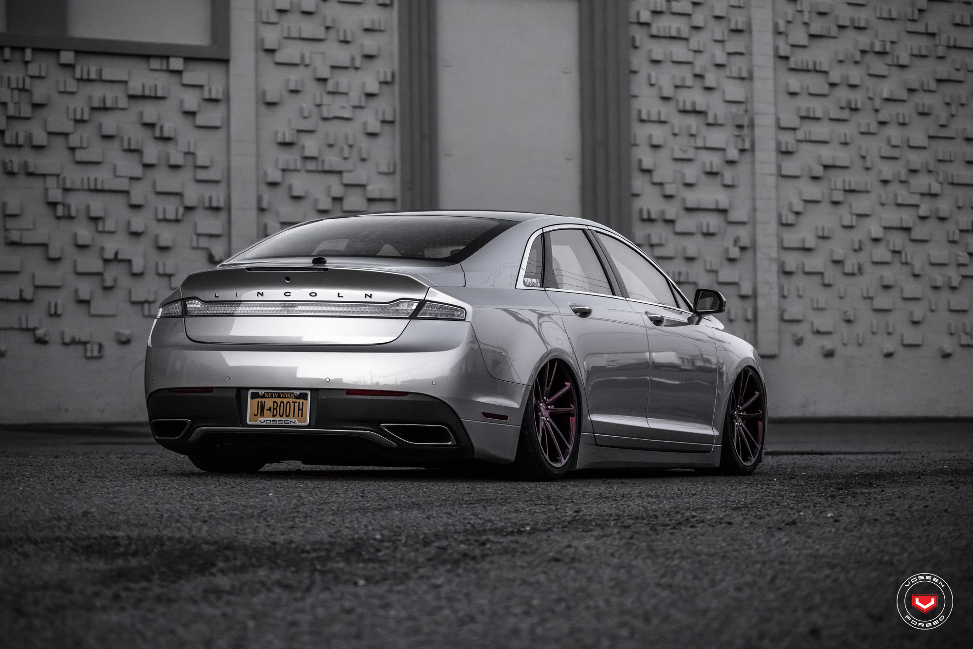 lincoln tuning 2017 mkz lowered on vossen wheels autoevolution. Black Bedroom Furniture Sets. Home Design Ideas