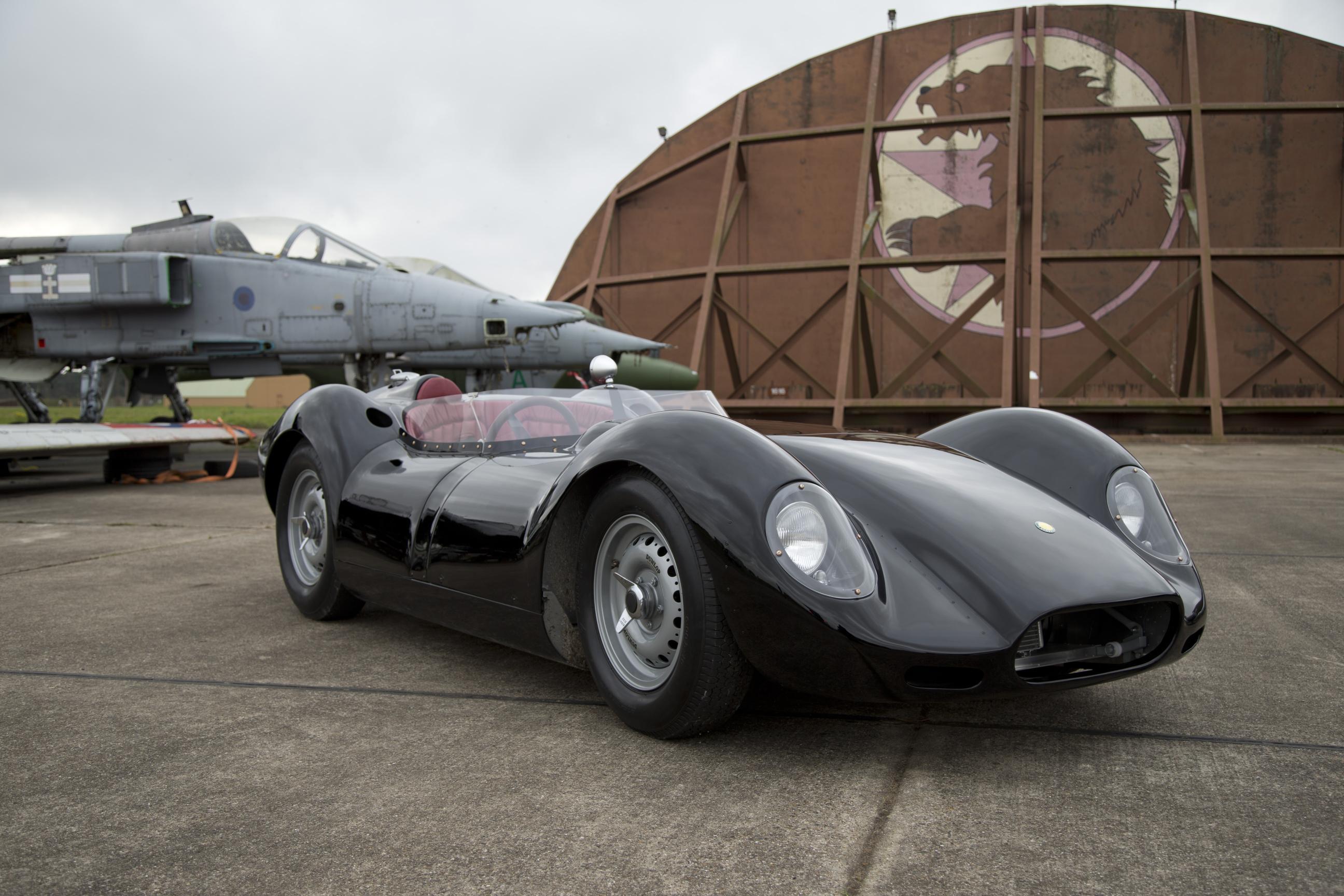 Lister Knobbly Packs 330 Horsepower From Jaguar XK6 Inline ...