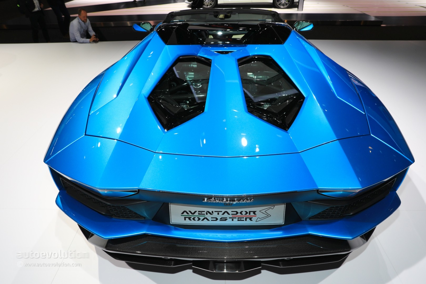 2018 lamborghini blue.  blue live photos 2018 lamborghini aventador s roadster for lamborghini blue a