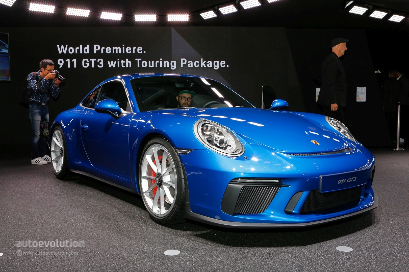 New Porsche 911 Gt3 Touring Package Is A No Cost Option 911 R Clone