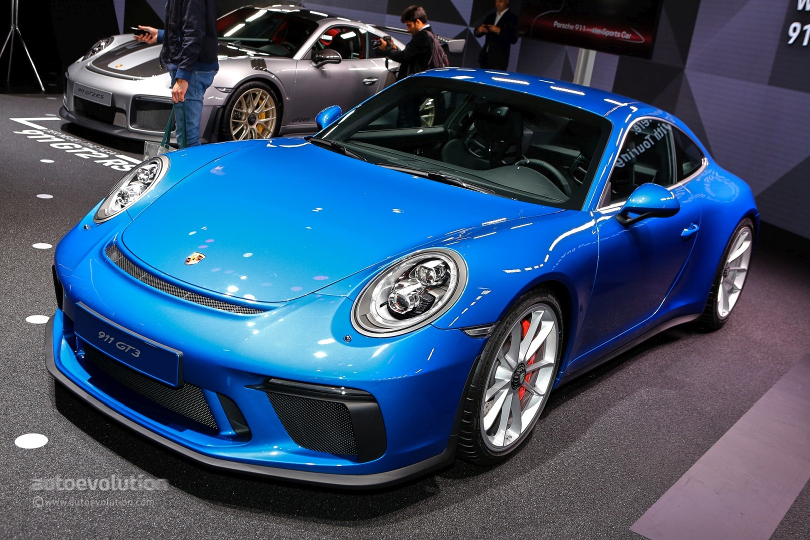 2018 porsche 911 gt3 touring package prototype shows 911 r. Black Bedroom Furniture Sets. Home Design Ideas
