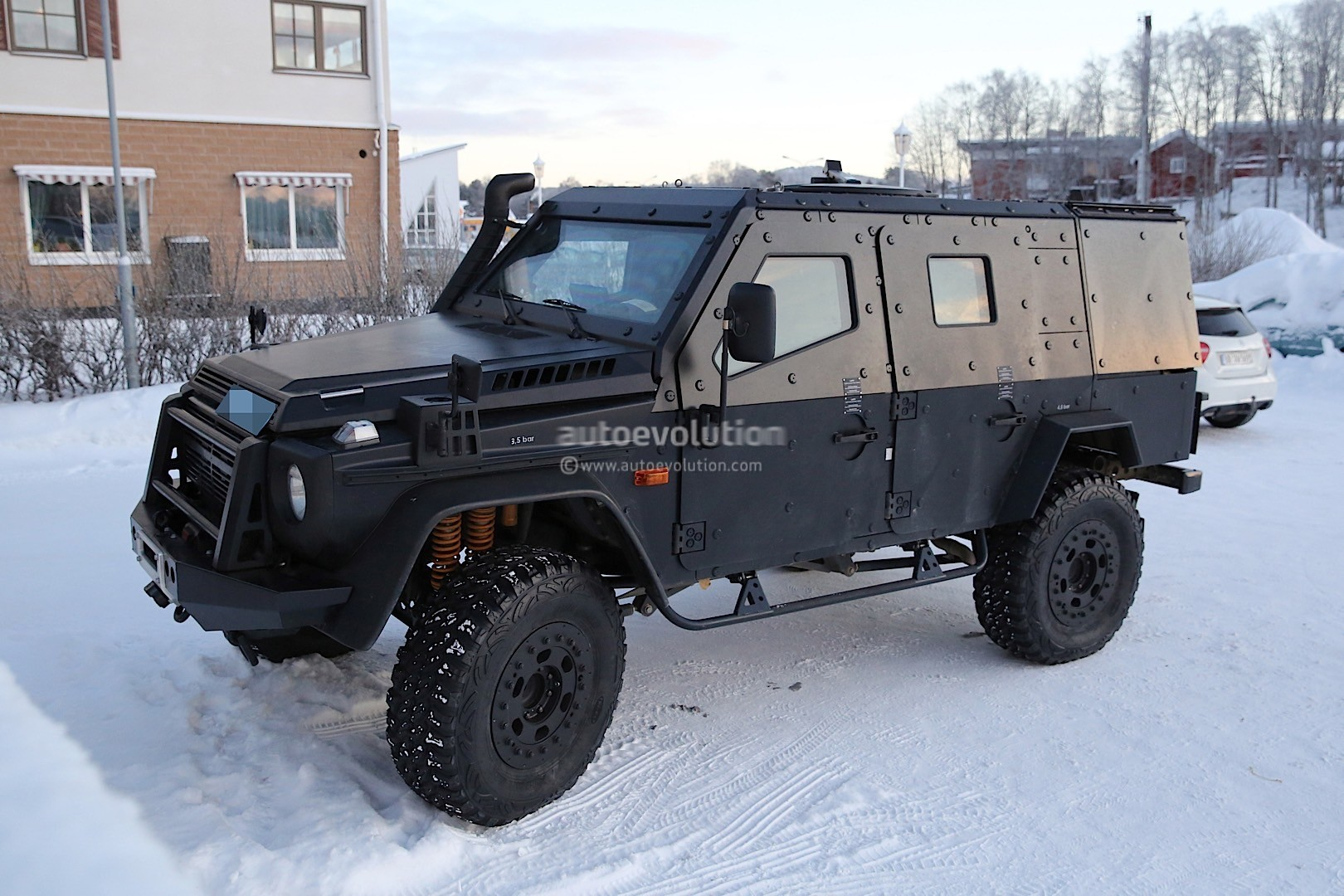 Look what the snowcat dragged in a mercedes benz g class for Mercedes benz military vehicles