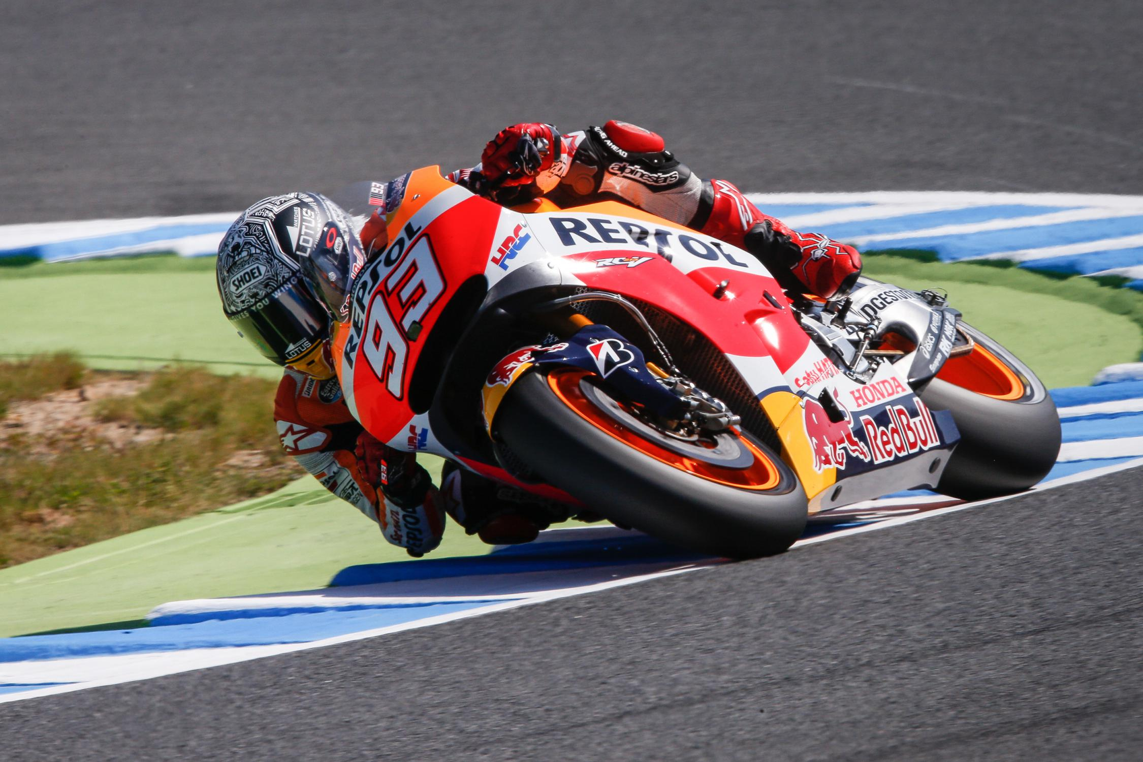 Lorenzo on Pole after Leading FP3 and Fiercely Battling Rossi in Q2 at Motegi - autoevolution