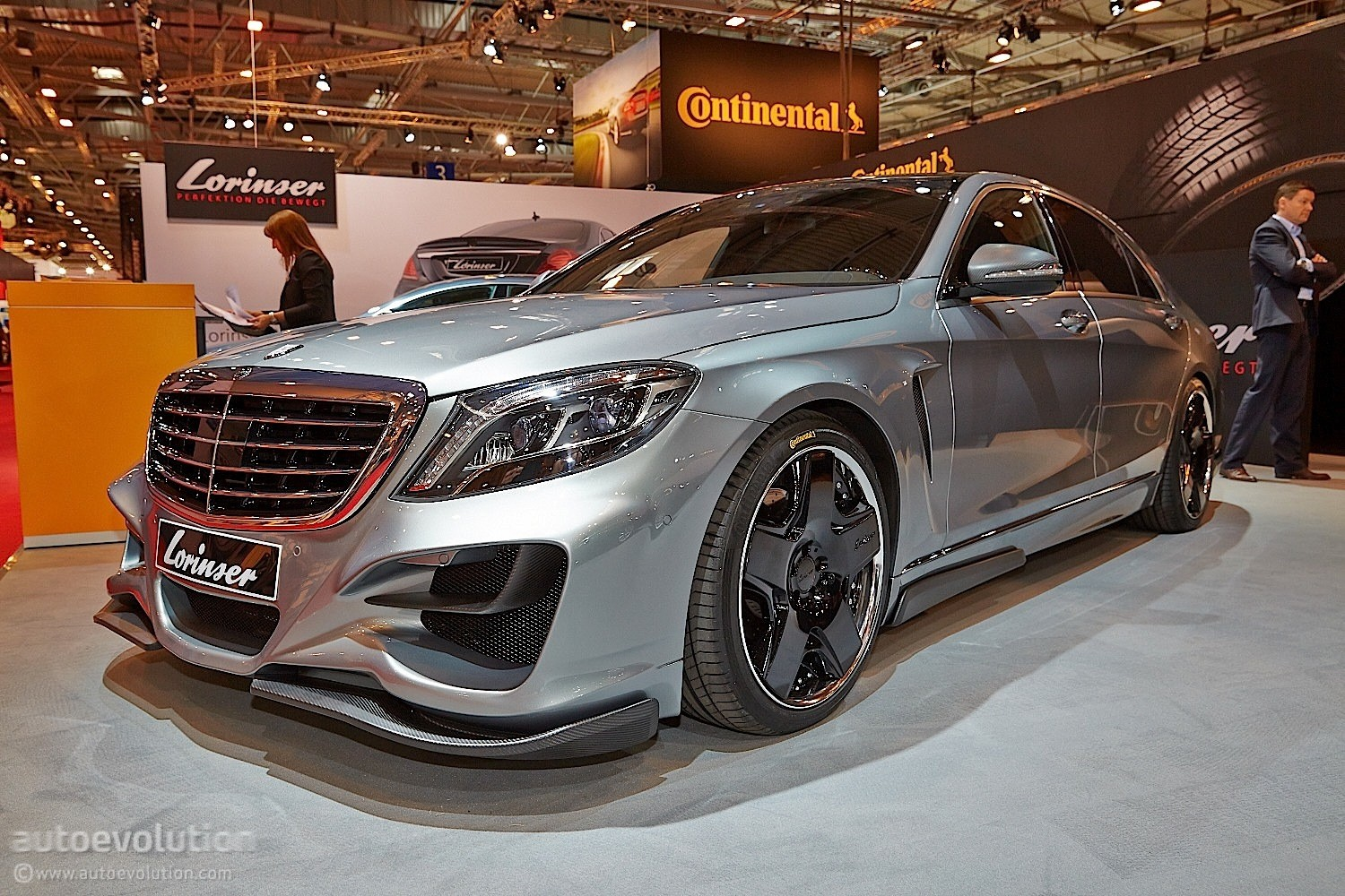 Mercedes Air Suspension >> Lorinser Mercedes-Benz S-Class Posing as a Bad Boy at Essen 2014 [Live Photos] - autoevolution