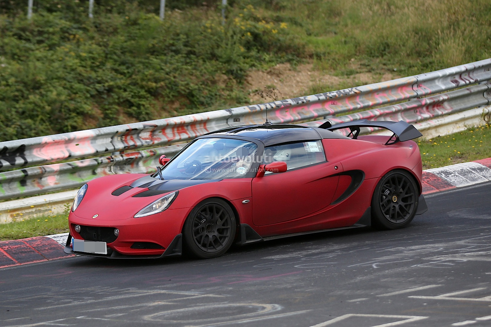 https://s1.cdn.autoevolution.com/images/news/gallery/lotus-elise-r-puts-the-hammer-down-on-the-nurburgring-nordschleife-photo-gallery_10.jpg