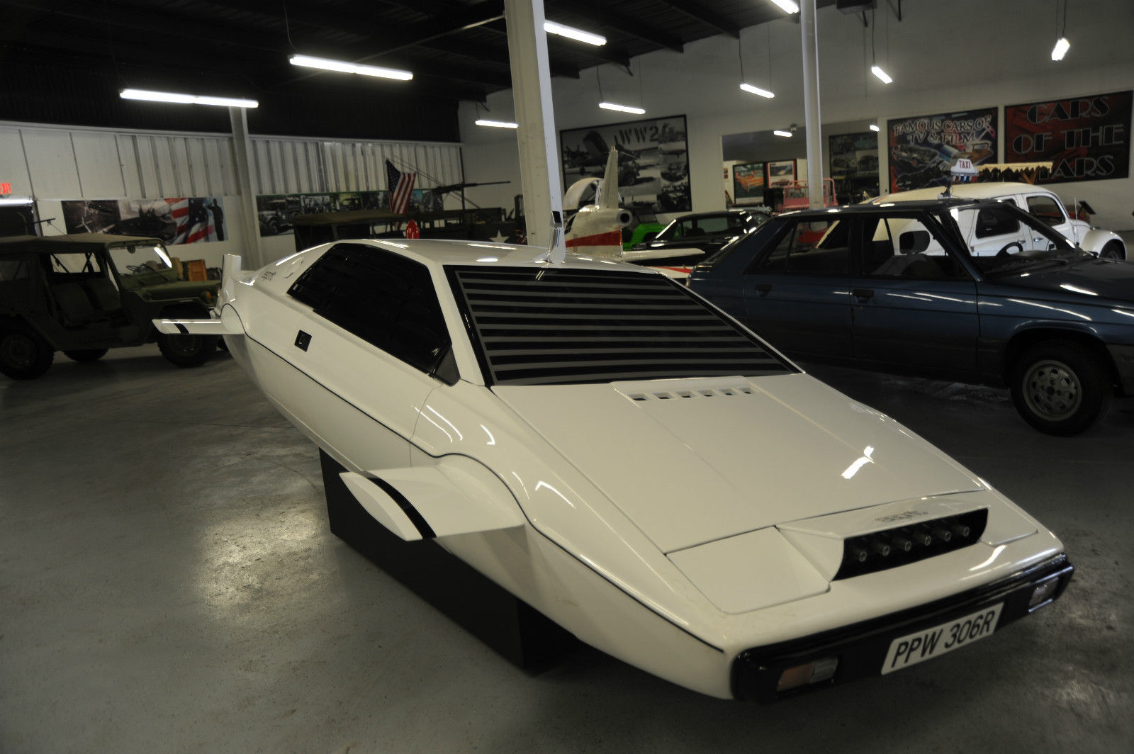 Lotus Esprit Submarine from James Bond - The Spy Who Loved Me is on ...