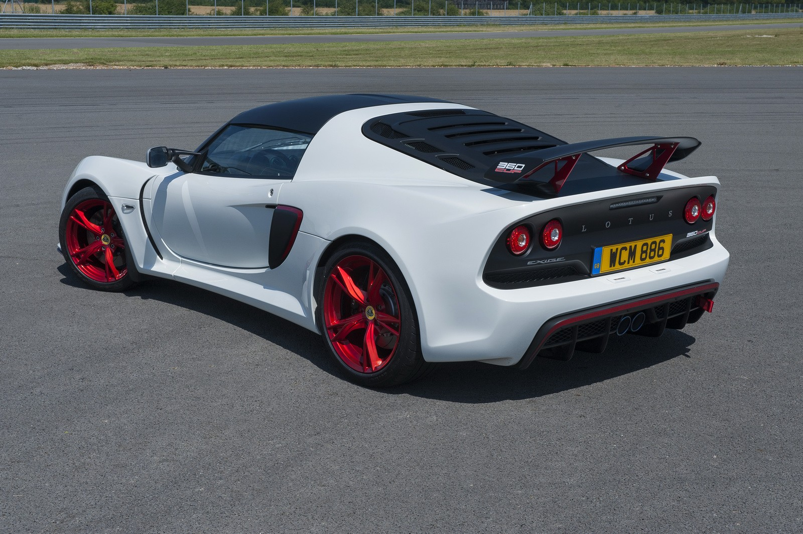 https://s1.cdn.autoevolution.com/images/news/gallery/lotus-exige-360-cup-officially-unveiled-only-50-to-be-made-photo-gallery_10.jpg