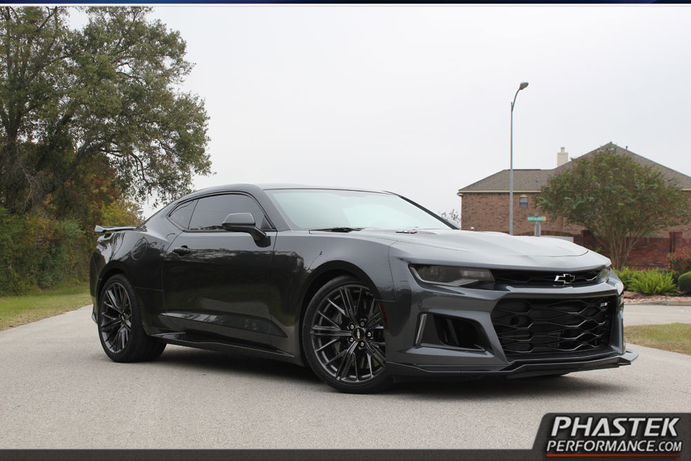 first lowered 2017 chevrolet camaro zl1 looks the part autoevolution. Black Bedroom Furniture Sets. Home Design Ideas