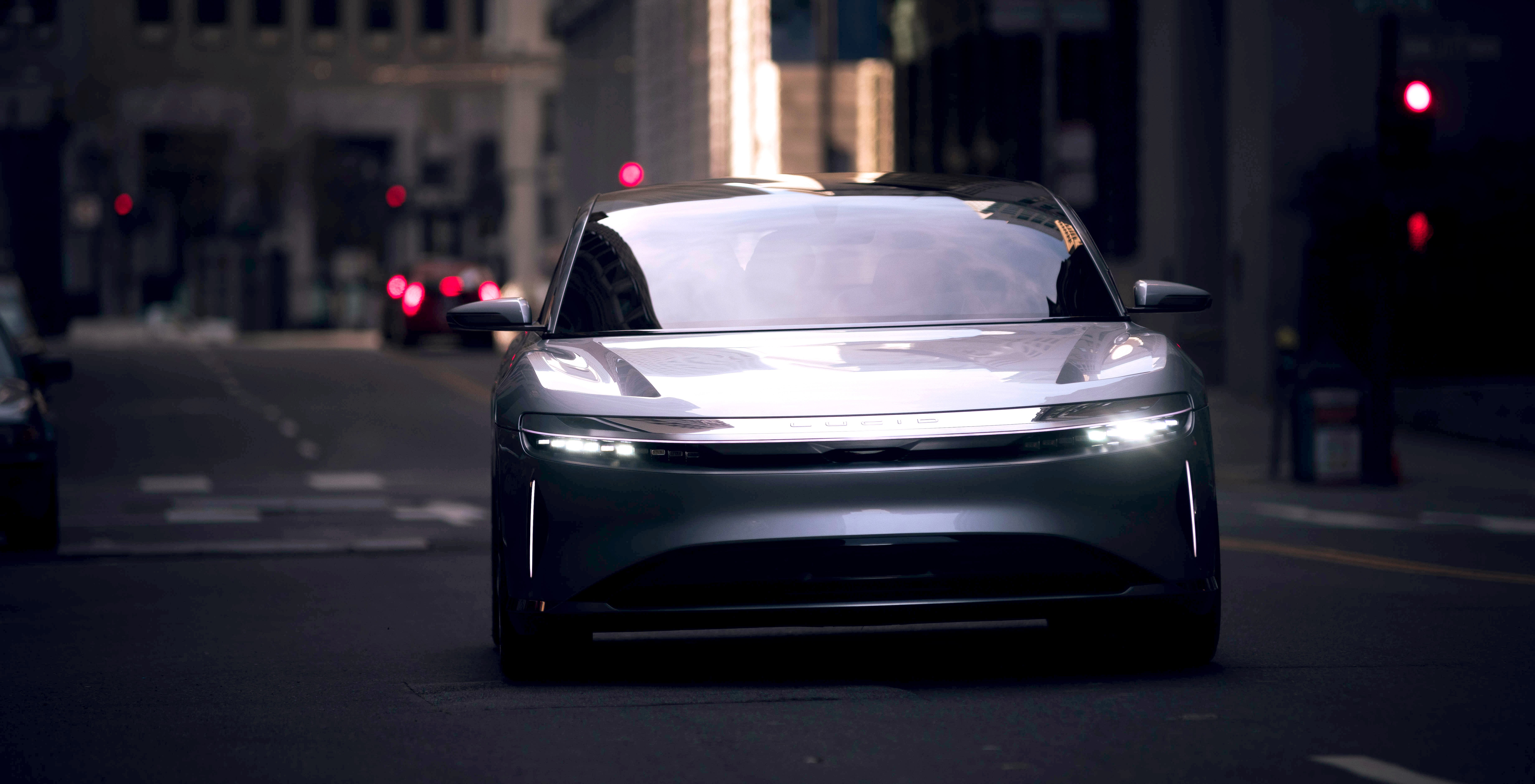 Lucid Motors 400 Hp Electric Model Starts At 52 500 With Federal Tax Credit Autoevolution