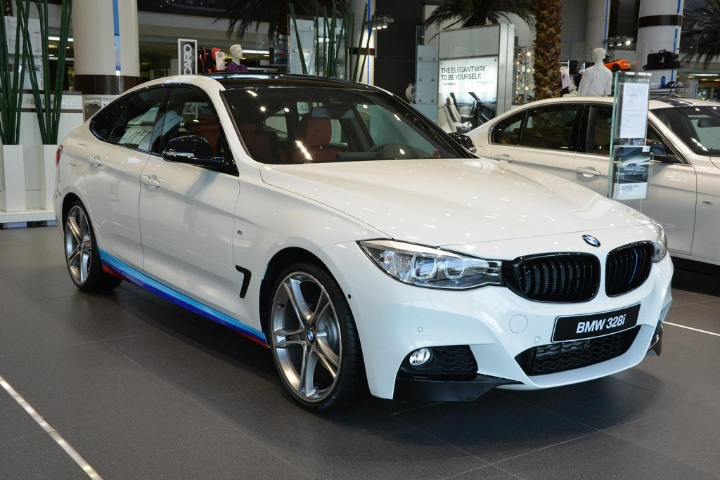 m performance decked bmw 3 series gt shows up in abu dhabi autoevolution. Black Bedroom Furniture Sets. Home Design Ideas