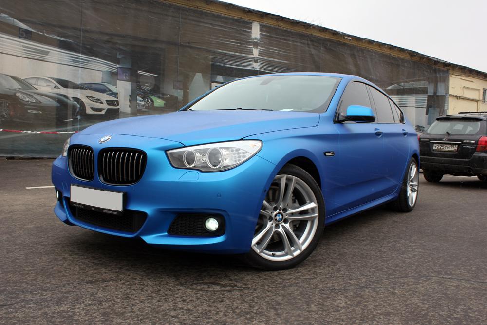 M Sport Bmw 5 Series Gt Gets Frozen Blue Wrap Autoevolution
