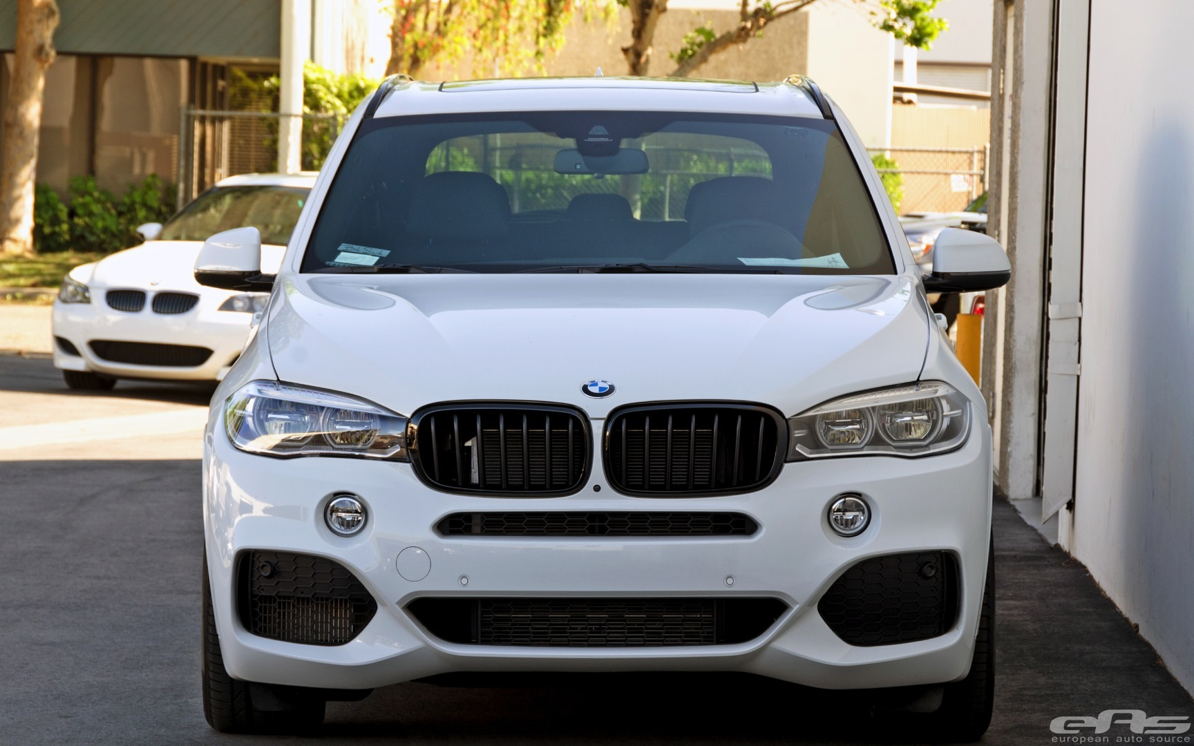 M Sport BMW X5 Gets Low at EAS - autoevolution