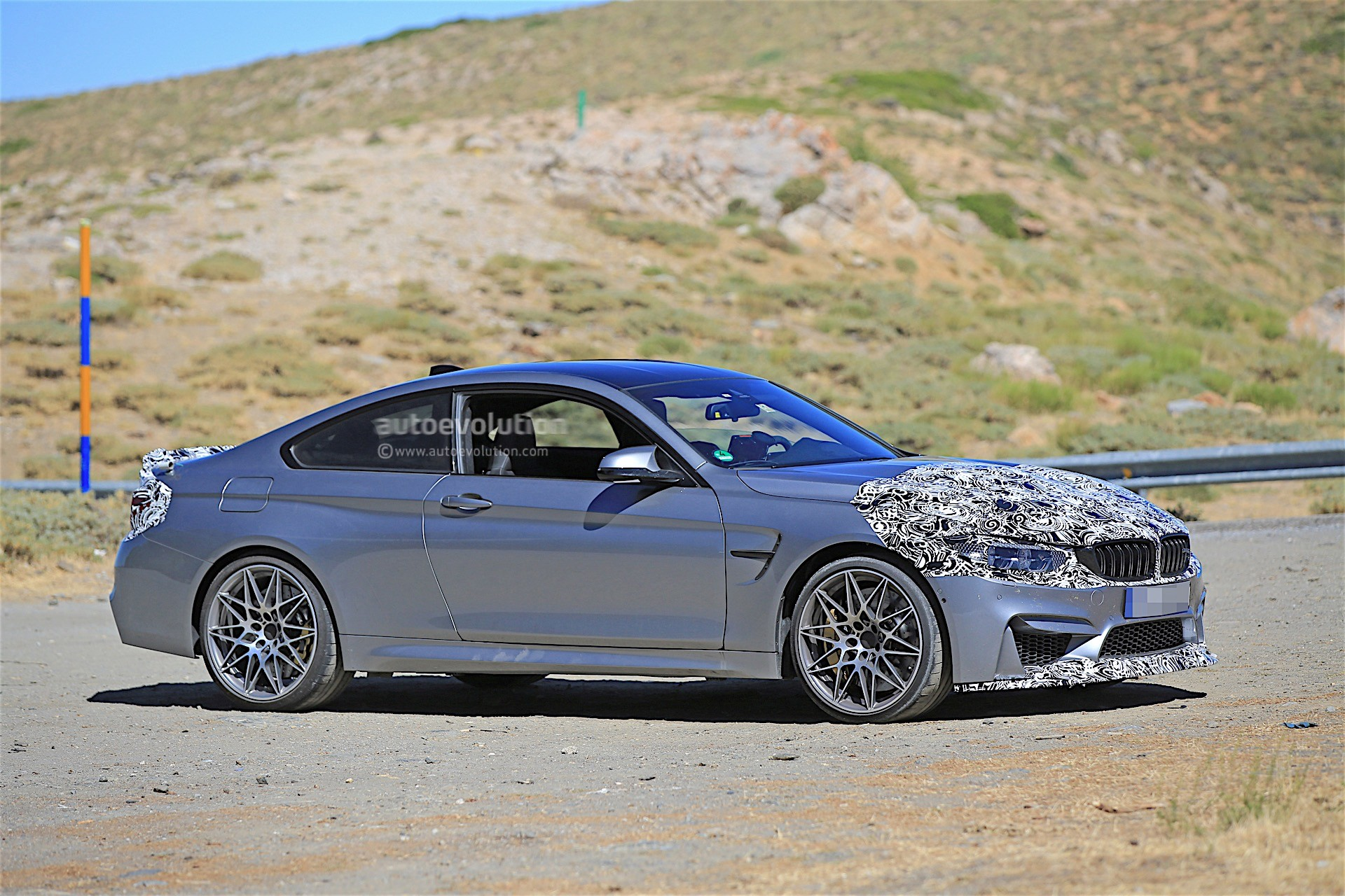 bmw testing m4 facelift has modified front end and rides. Black Bedroom Furniture Sets. Home Design Ideas