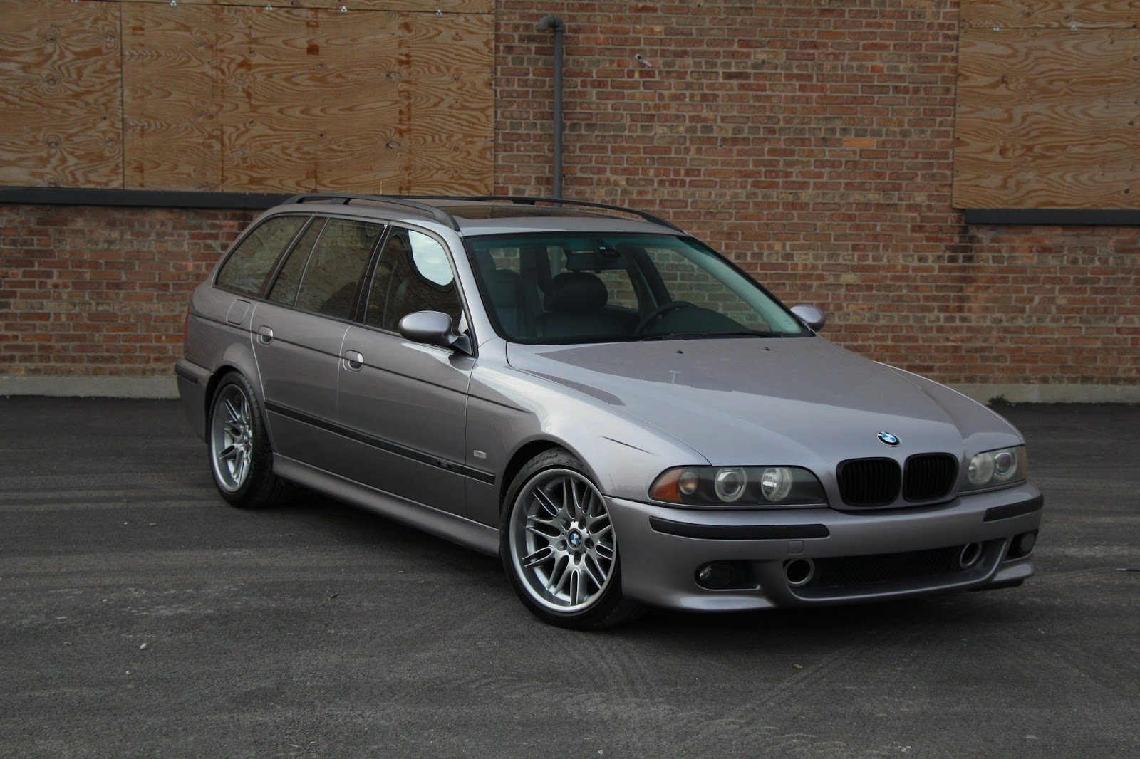 this bmw e39 m5 touring is not your ordinary forbidden fruit autoevolution. Black Bedroom Furniture Sets. Home Design Ideas