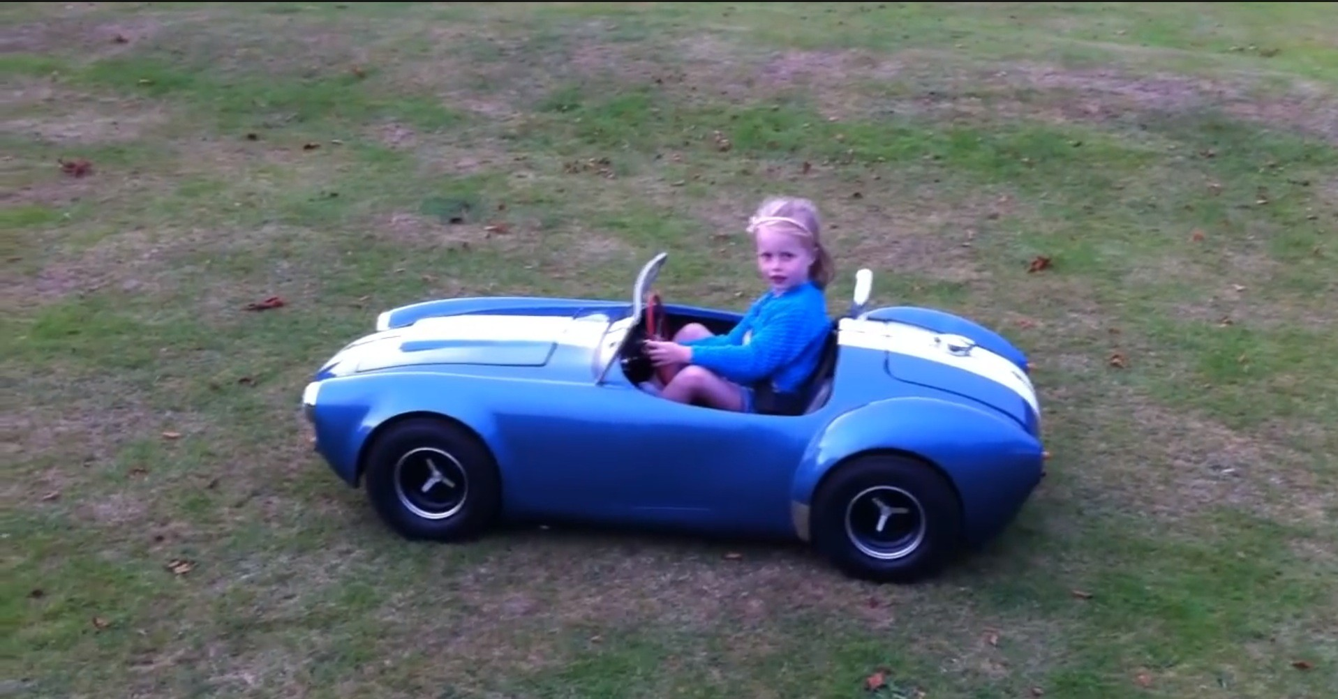 https://s1.cdn.autoevolution.com/images/news/gallery/man-build-scale-shelby-cobra-ferrari-250-gto-for-his-daughter-scarlett-video_2.jpg