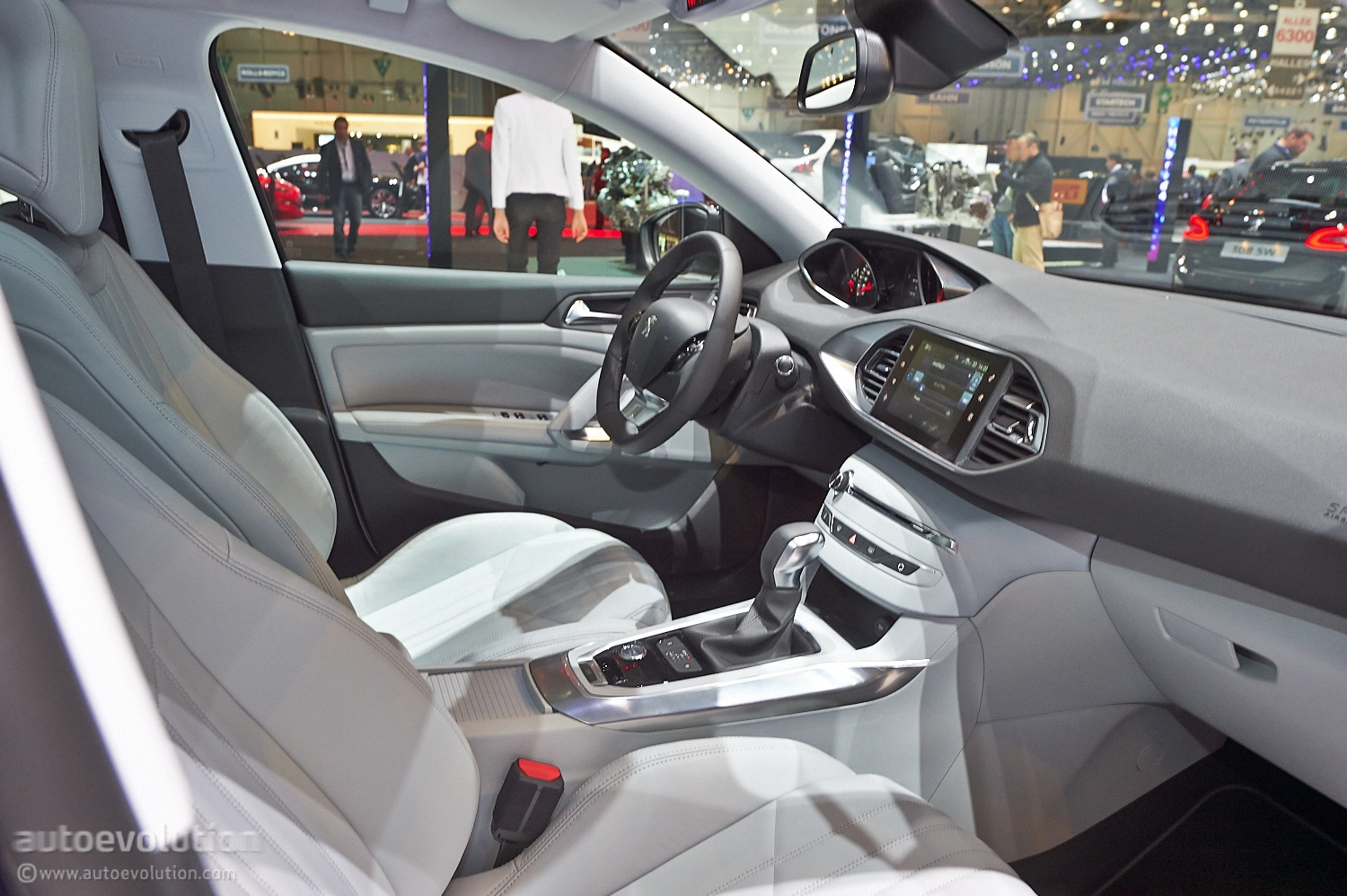 man copies features from the peugeot 308 sw at geneva. Black Bedroom Furniture Sets. Home Design Ideas
