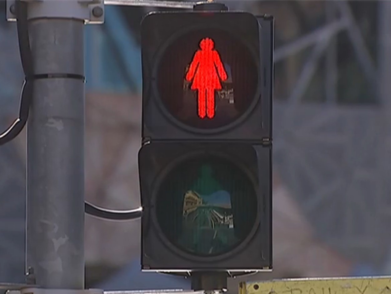 man-finds-us-traffic-lights-work-using-r