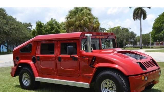 Man Sells $3.5 Million Mansion, Will Throw In a Ferrari or ...