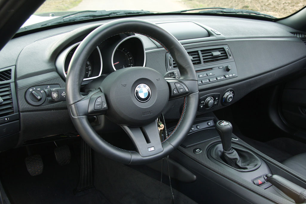 Manhart introduces bmw z4 m v10 autoevolution for Interieur z4 e85