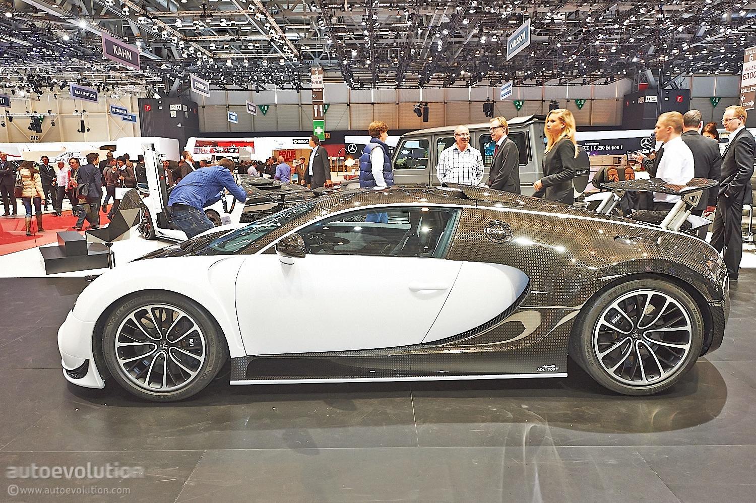 mansory vivere bugatti veyron is a special carbon creation live photos autoevolution. Black Bedroom Furniture Sets. Home Design Ideas