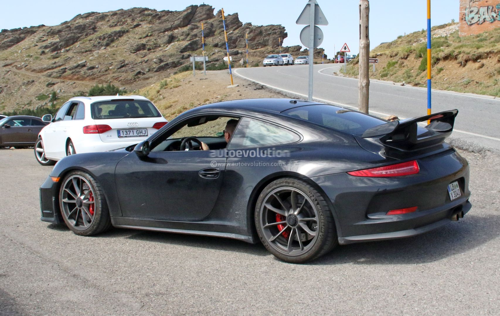 Manual Gearbox 2017 Porsche 911 GT3 (991.2) Spied with Hilarious ...