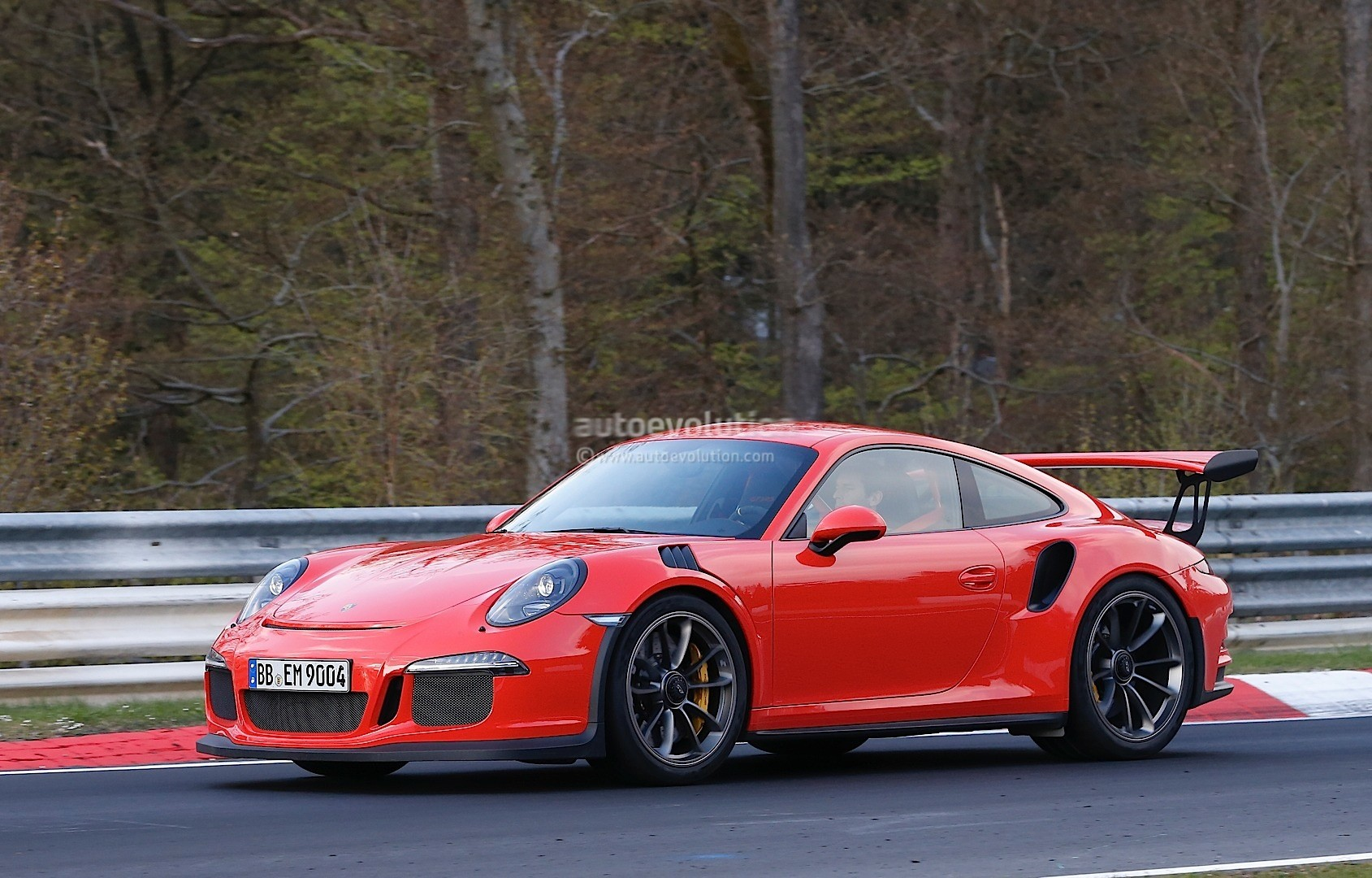 Beautiful Mark Webber Drives The 2016 Porsche 911 GT3 RS On The Nurburgring No