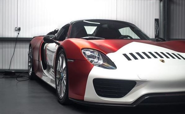 Marlboro Livery Porsche 918 Spyder Is a Chassis 101 911 GT1 Tribute