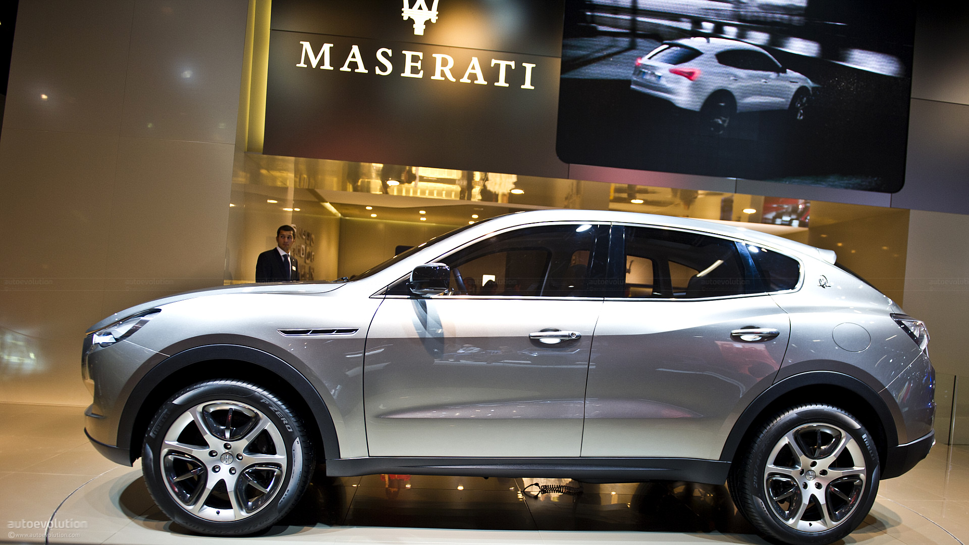 maserati levante suv test mules filmed testing in italy autoevolution. Black Bedroom Furniture Sets. Home Design Ideas