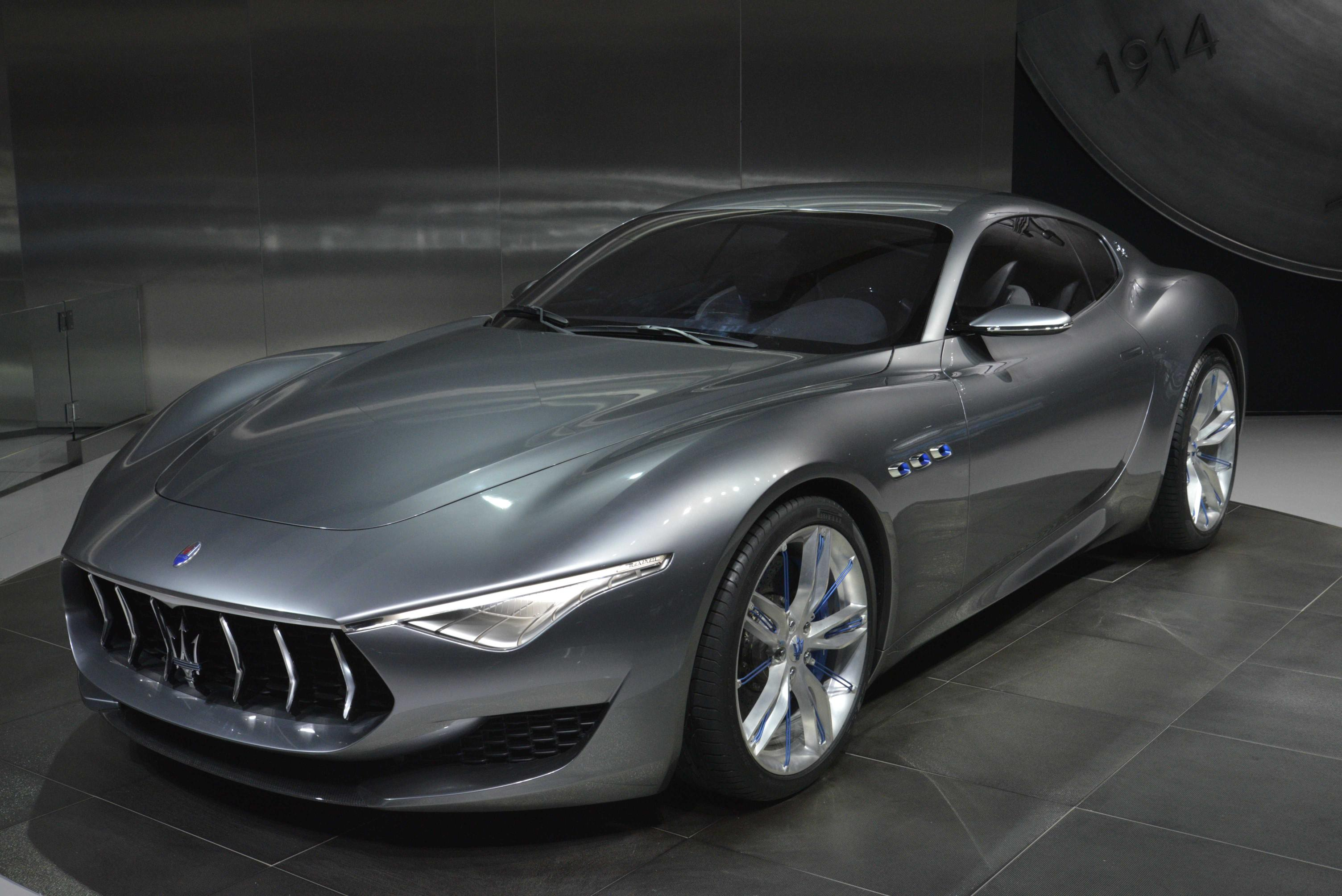 maserati shows alfieri concept in detroit announces 2014 sales record live photos autoevolution. Black Bedroom Furniture Sets. Home Design Ideas