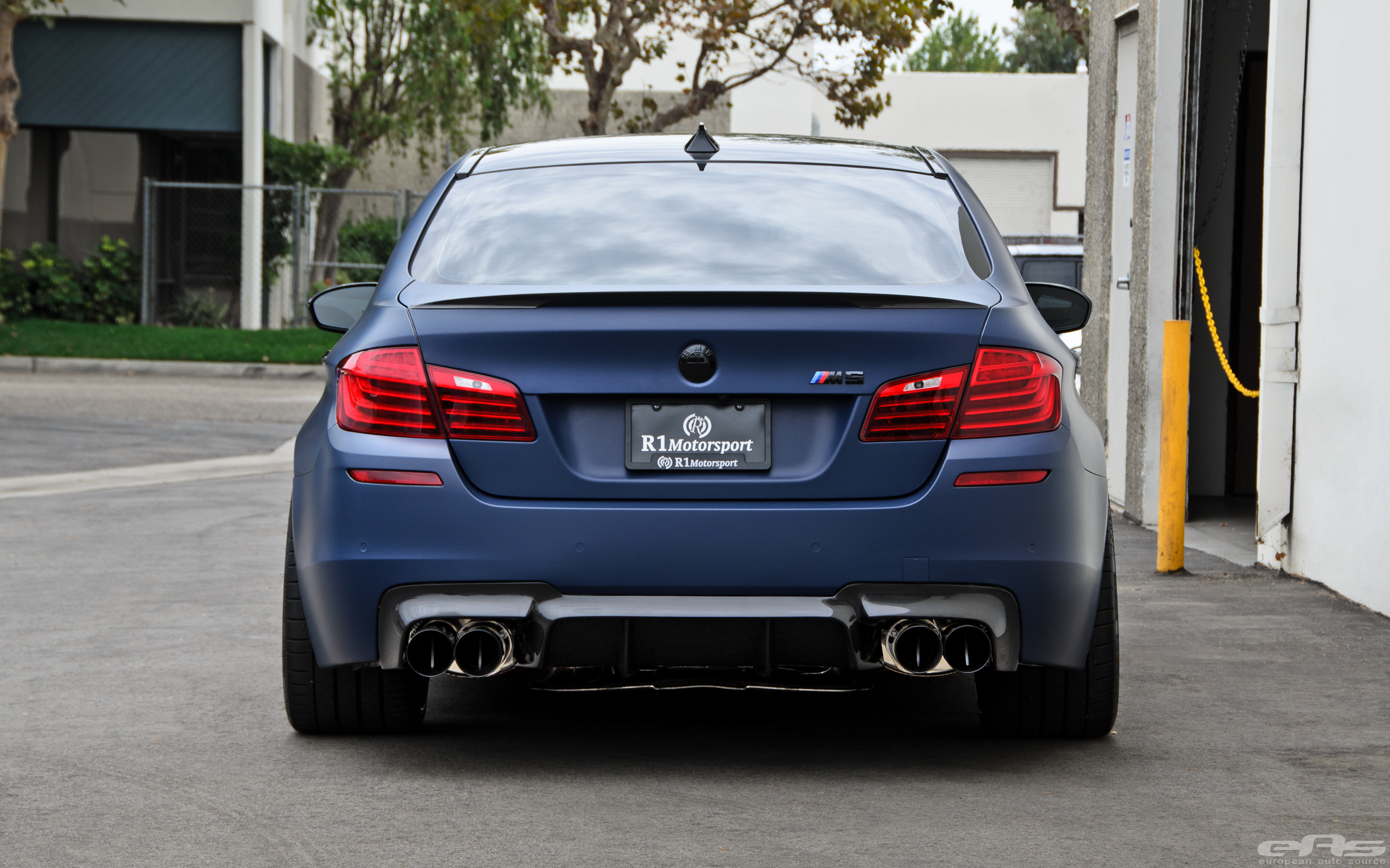 matte blue m5 might be a little too much for some autoevolution. Black Bedroom Furniture Sets. Home Design Ideas