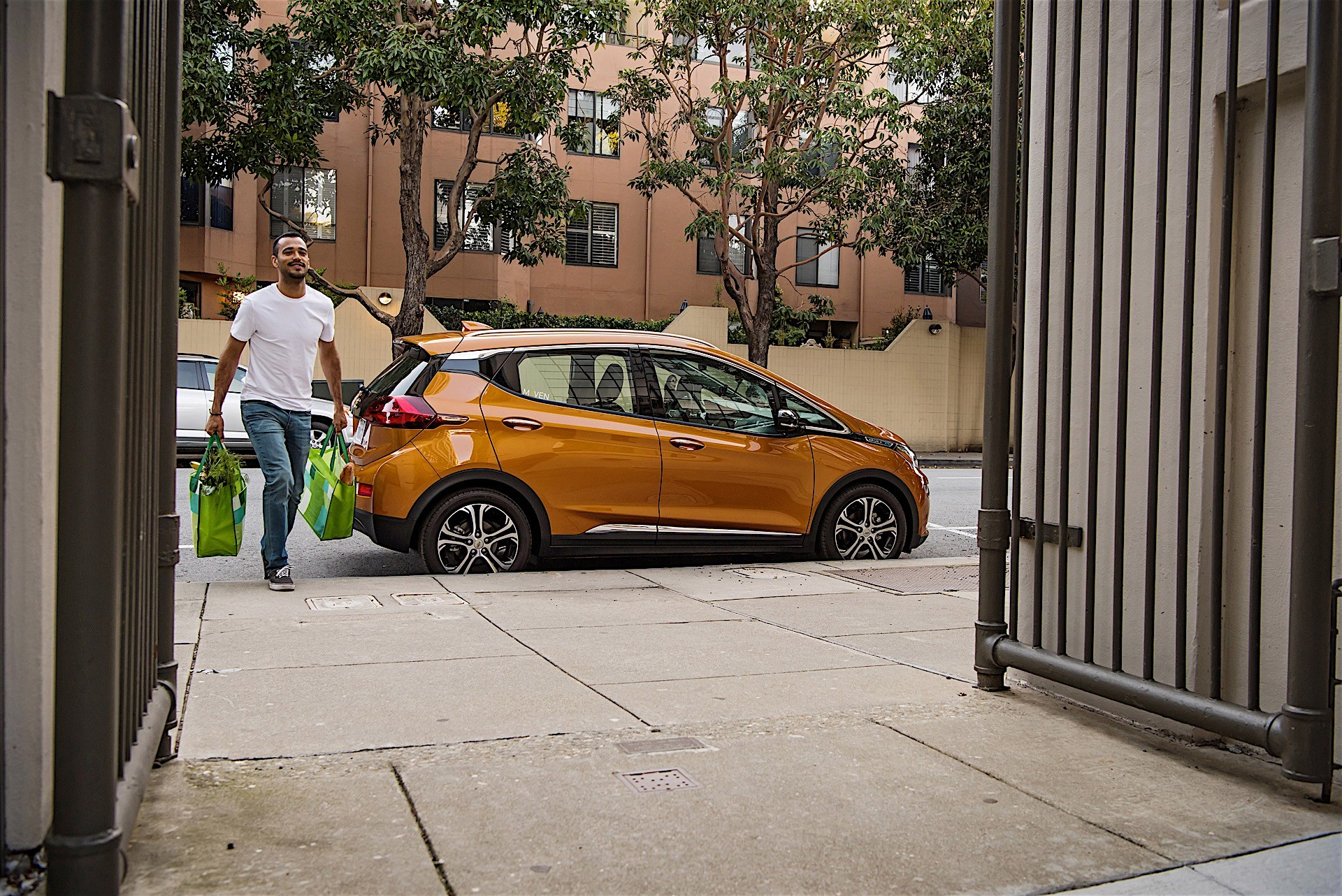 GM and Maven Launch Gig-Economy Deal: You Can Get a Bolt For